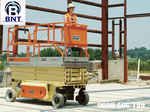xe nâng người cắt kéo JLG 3246ES
